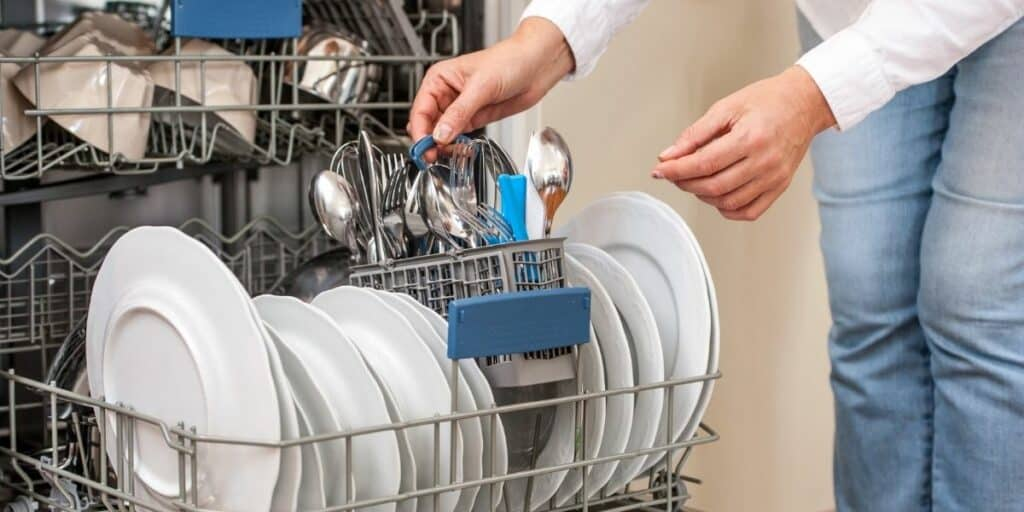 7 Quick Tips and Tricks for Getting the Best out of Your Dishwasher!