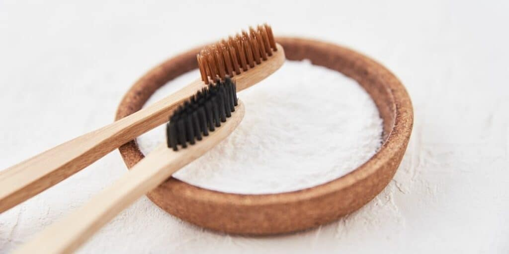 Deep-Clean Toothbrushes and Retainers