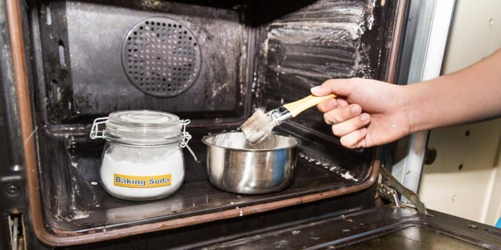 20 Incredible Baking Soda Cleaning Hacks To Eliminate Grime and Odor
