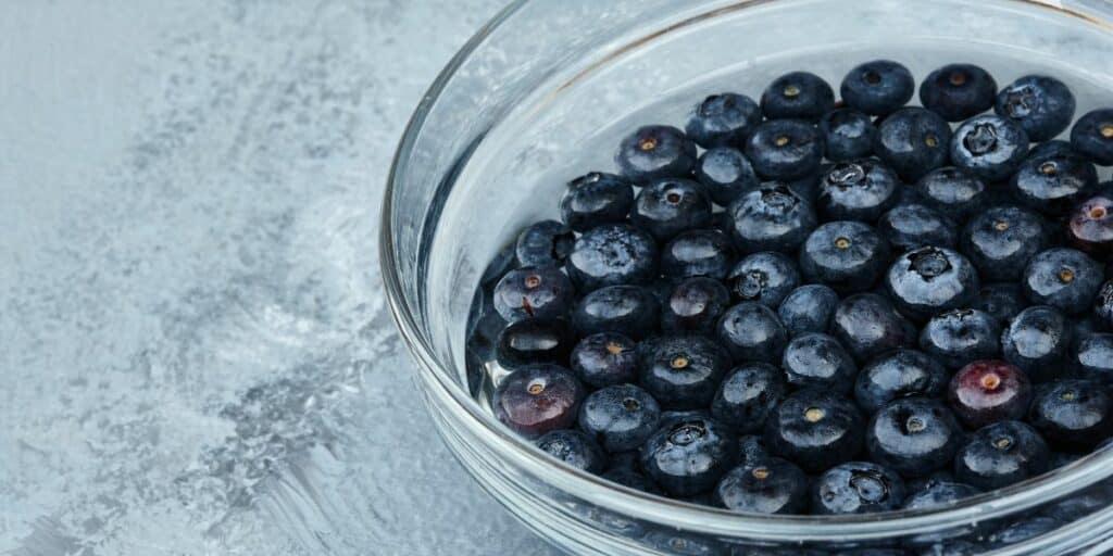 Make a DIY fruit and vegetable wash