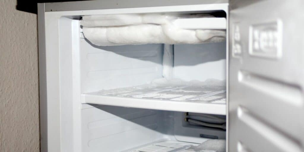 How long does it take to defrost a fridge